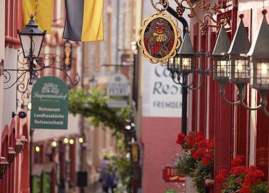 Kurztrip an die Mosel und durch die verwinkelten Gassen der Altstadt von Bernkastel-Kues schlendern.