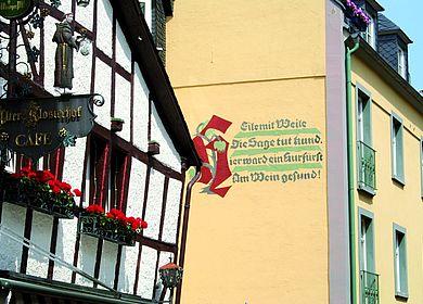 Ein Fachwerkhaus in Bernkastel-Kues an der Mosel.